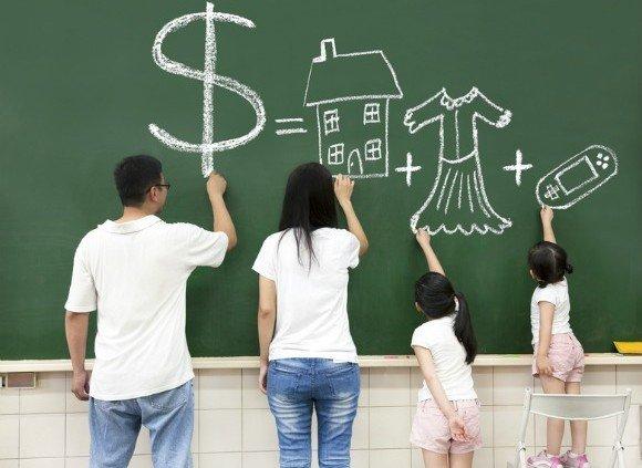 هفت راه والدین موفق برای آموزش پول به کودکان